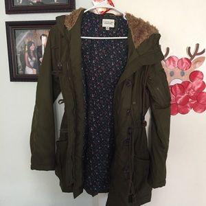 Green coat parka w/ faux fur